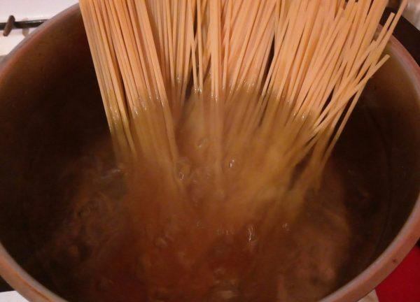 паста спагетти помидорини с томатным соусом наполи