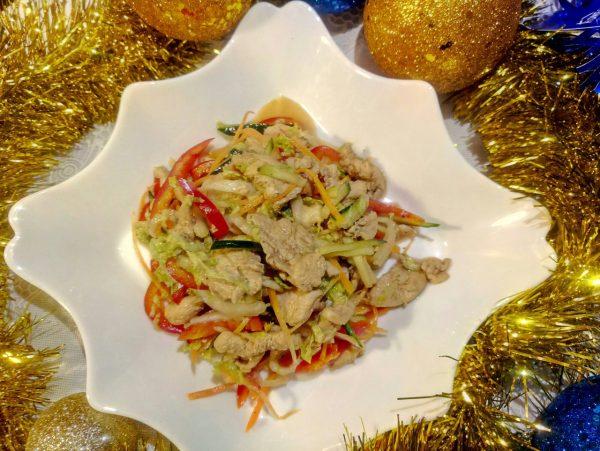 Овощной салат с куриной грудкой рецепт с фото