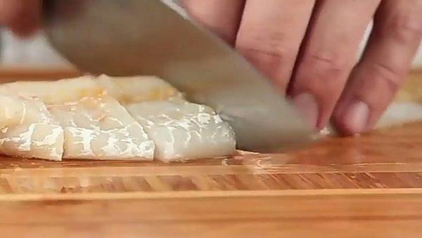 Рыбные палочки из трески в кляре