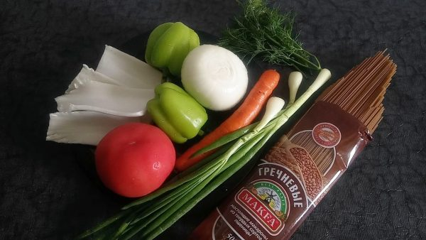Гречневая лапша с овощами рецепт с фото