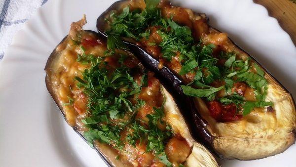 Баклажаны лодочки фаршированные овощами рецепт