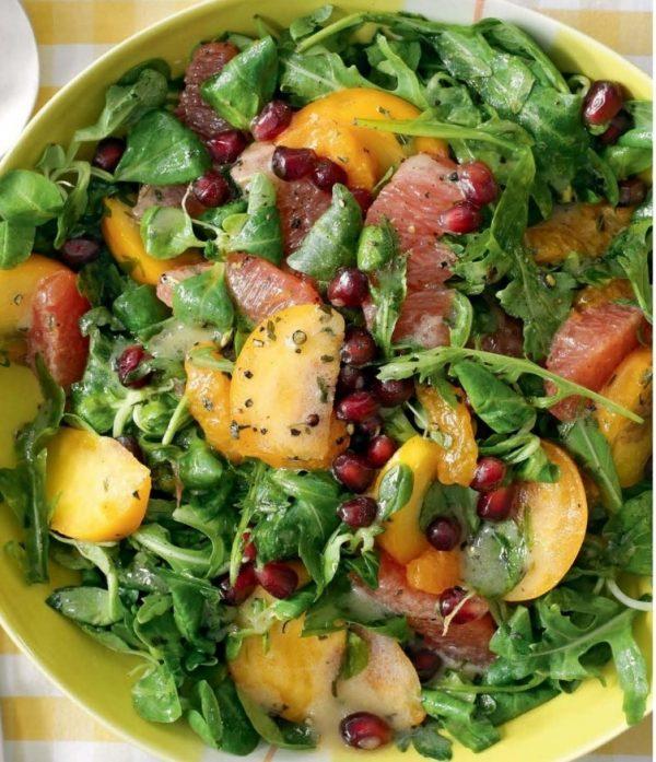 Салат с хурмой, мандаринами и грейпфрутом рецепт с фото