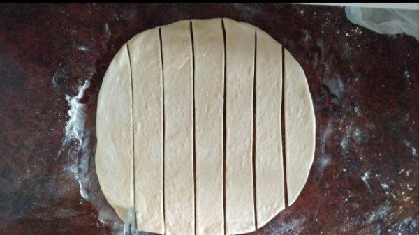Сосиски в тесте из дрожжевого теста в духовке рецепт