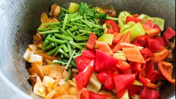 Как правильно обжаривать овощи для лагмана
