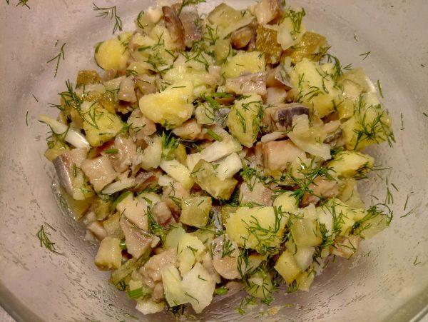 Салат сельдью и майонезом рецепт с фото