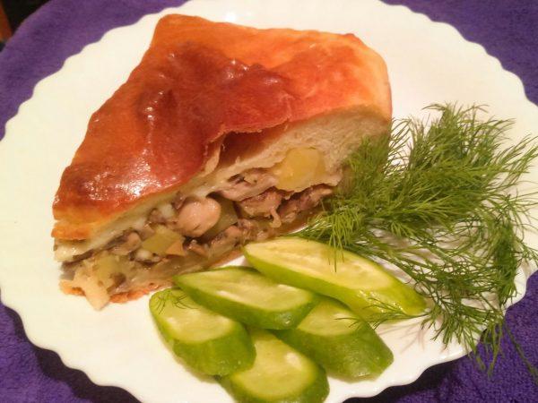 Пирог с грибами вешенками, картофелем и сыром из дрожжевого теста