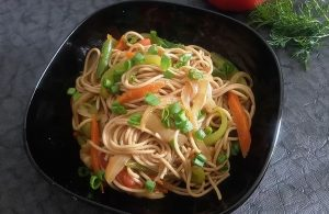Гречневая лапша с овощами рецепт ПП