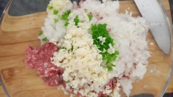 Хинкали с мясом и зеленью рецепт с фото