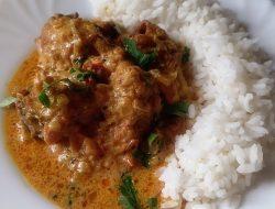Пряная курица в сливочно-томатном соусе рецепт