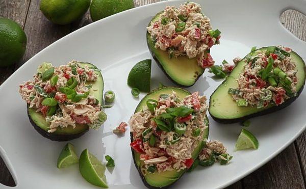Салат из тунца с авокадо рецепт с фото