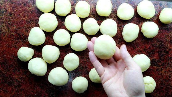 Формируем шарики для самсы