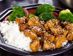 "Курица в соусе ""Терияки"" с рисом и овощами рецепт"